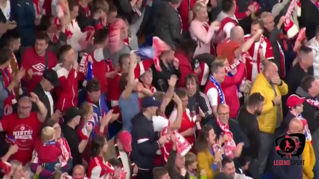 Sevcik relança eliminatória frente ao Chelsea com este golaço