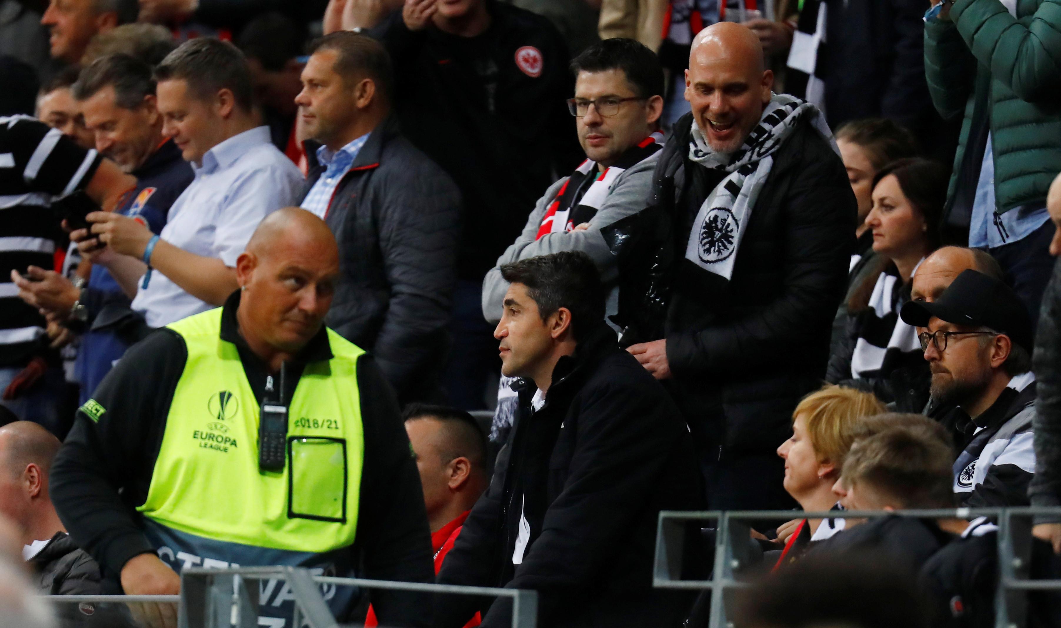 As imagens que não viu na televisão do Eintracht-Benfica