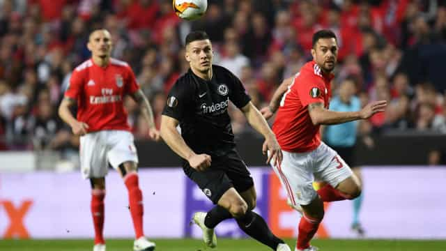 Jovic mais perto do Real Madrid. Benfica receberá parcela do negócio