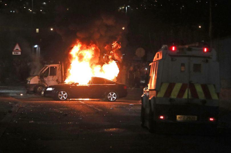 "Jornalista morta em ""incidente terrorista"" na Irlanda do Norte"
