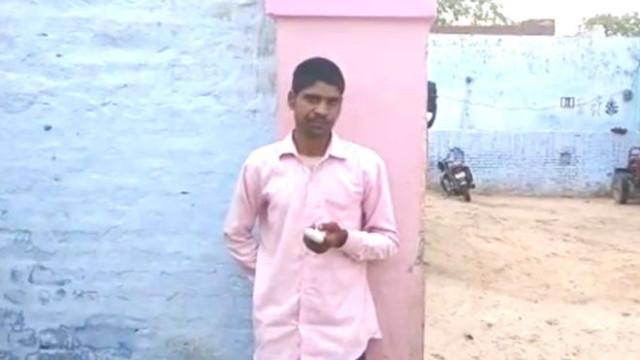"""Eleitor indiano corta dedo depois de votar por """"partido errado"""""""