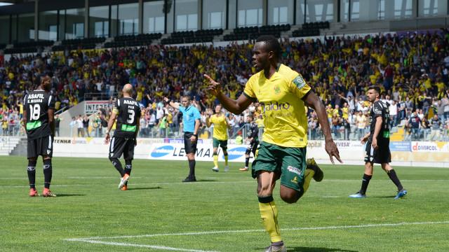 Paços de Ferreira vence e confirma regresso à I Liga