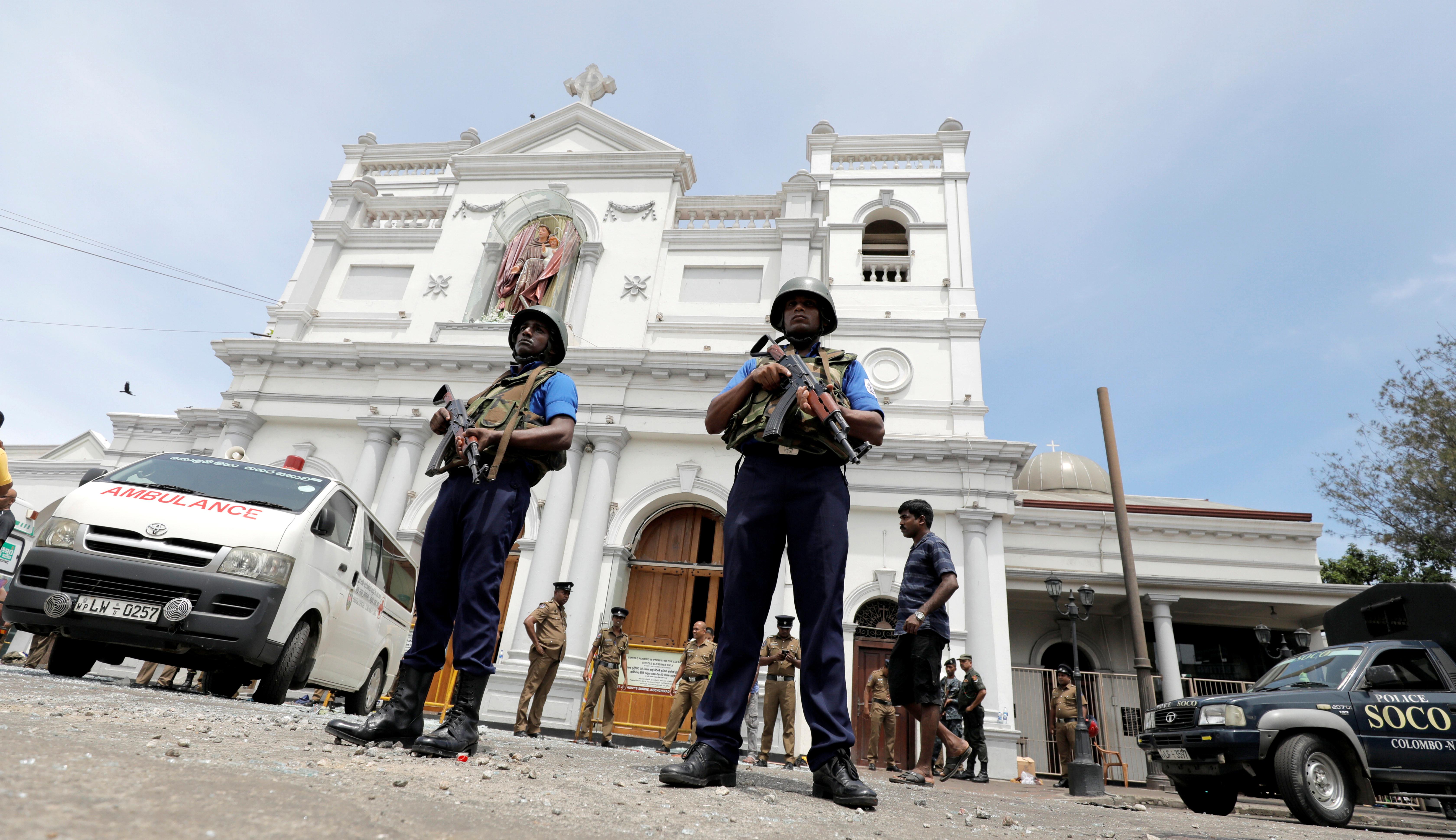 Subiu para mais de 100 o número de mortos no Sri Lanka após explosões