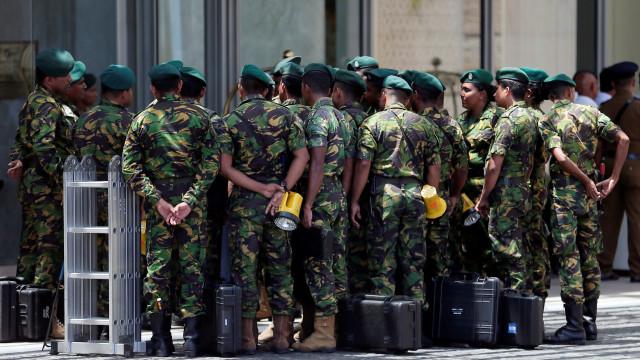 Sri Lanka: Dois kamikazes participaram nos ataques, diz polícia