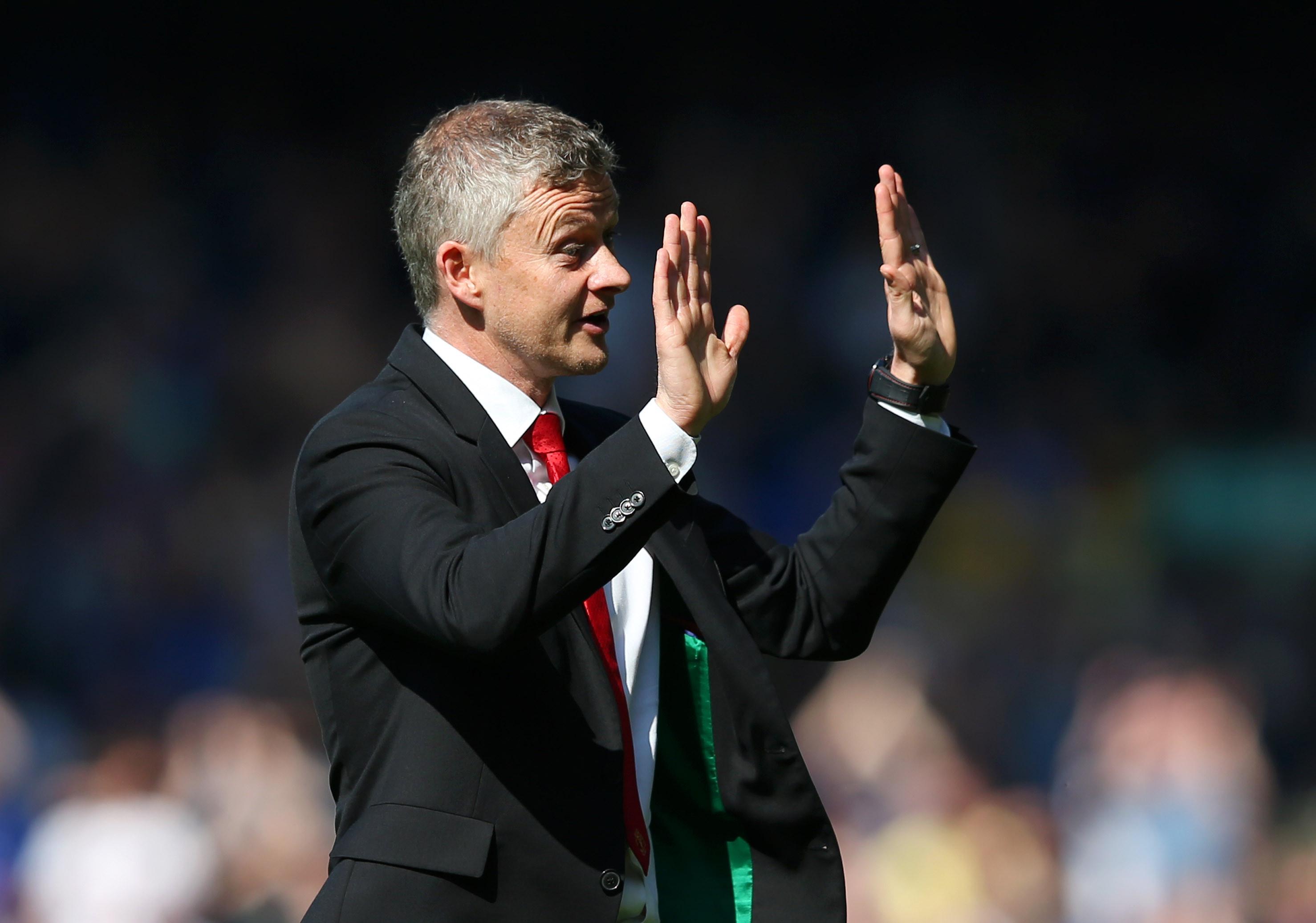Solskjaer pede desculpa aos adeptos do United após derrota humilhante