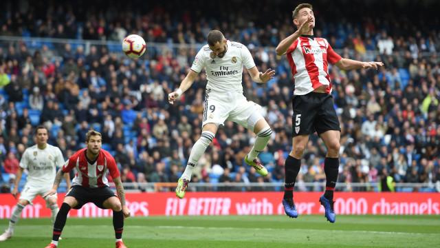 Real Madrid regressa às vitórias nas asas de Benzema