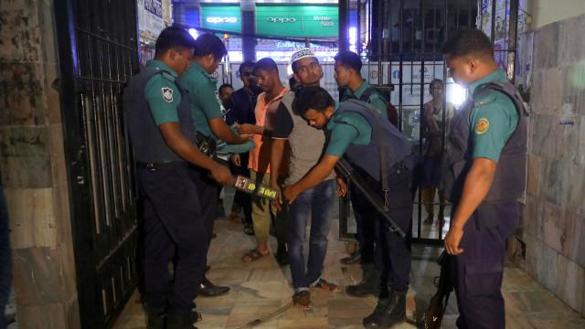 Ataque: Governo do Sri Lanka anuncia detenção de oito pessoas