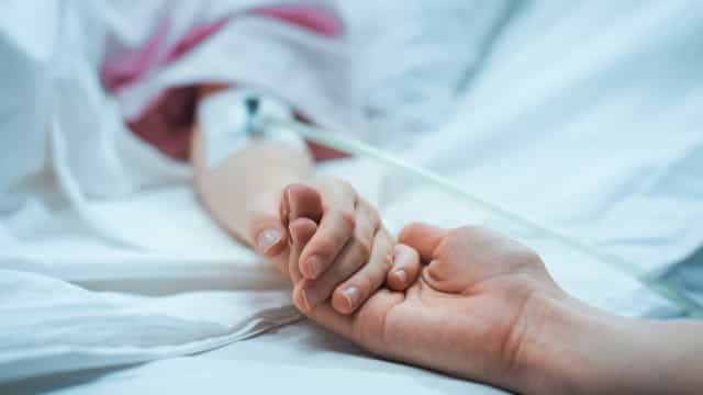 Espanhola morreu atada a uma cama na psiquiatria. Tinha uma meningite