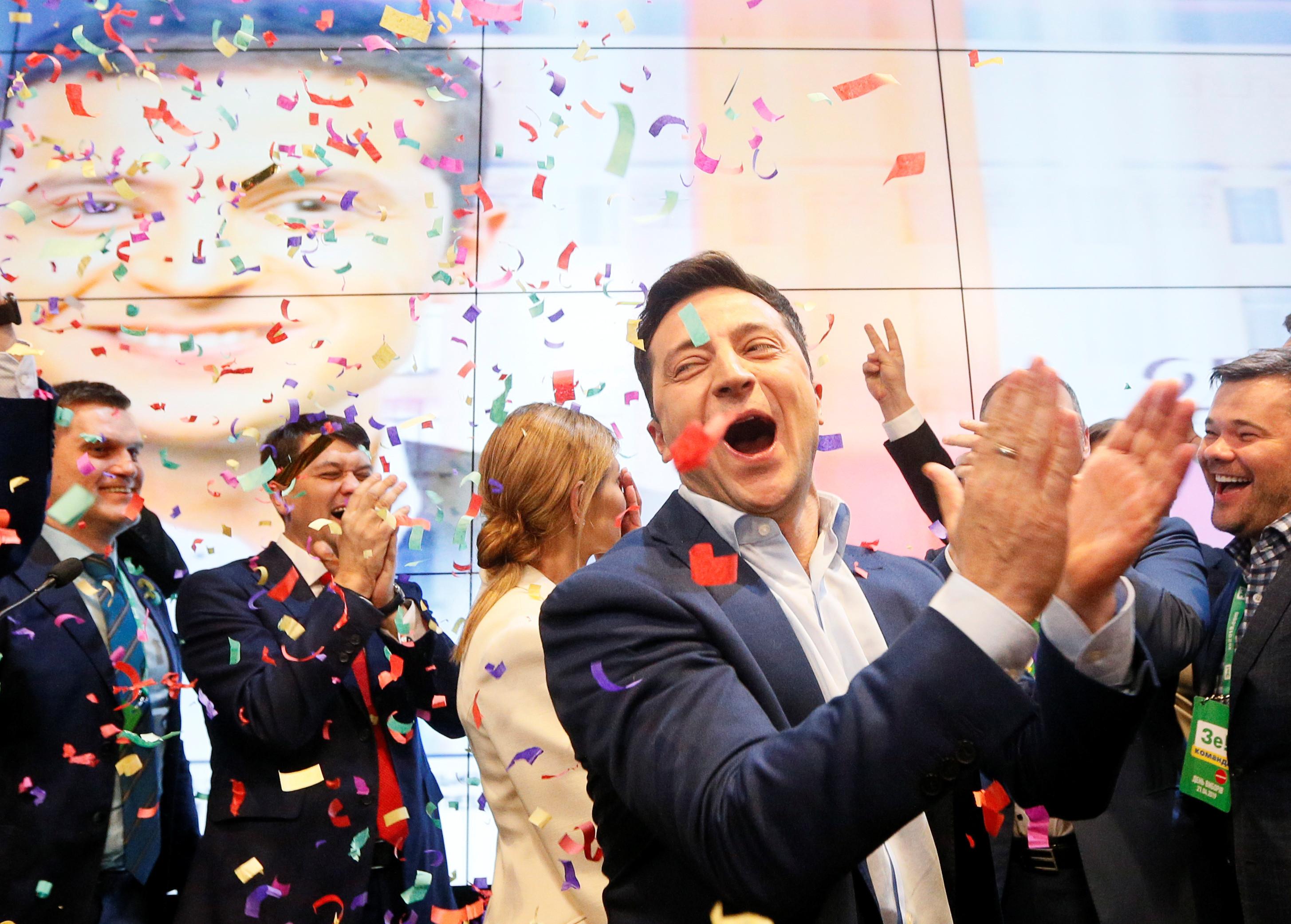 Comediante Vladimir Zelenski vence eleições presidenciais na Ucrânia