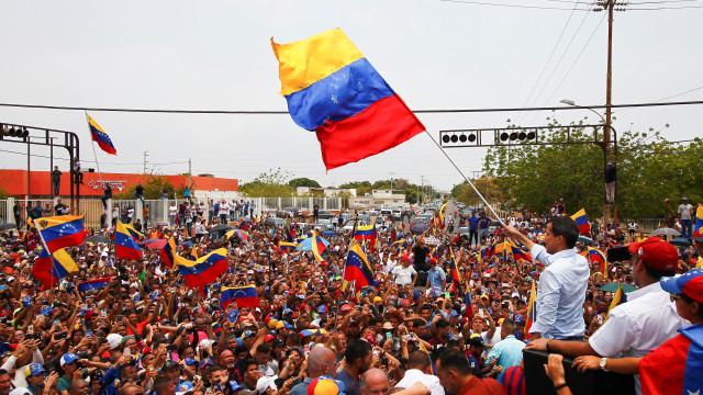 Oposição intimidação da guerrilha colombiana contra oposição venezuelana