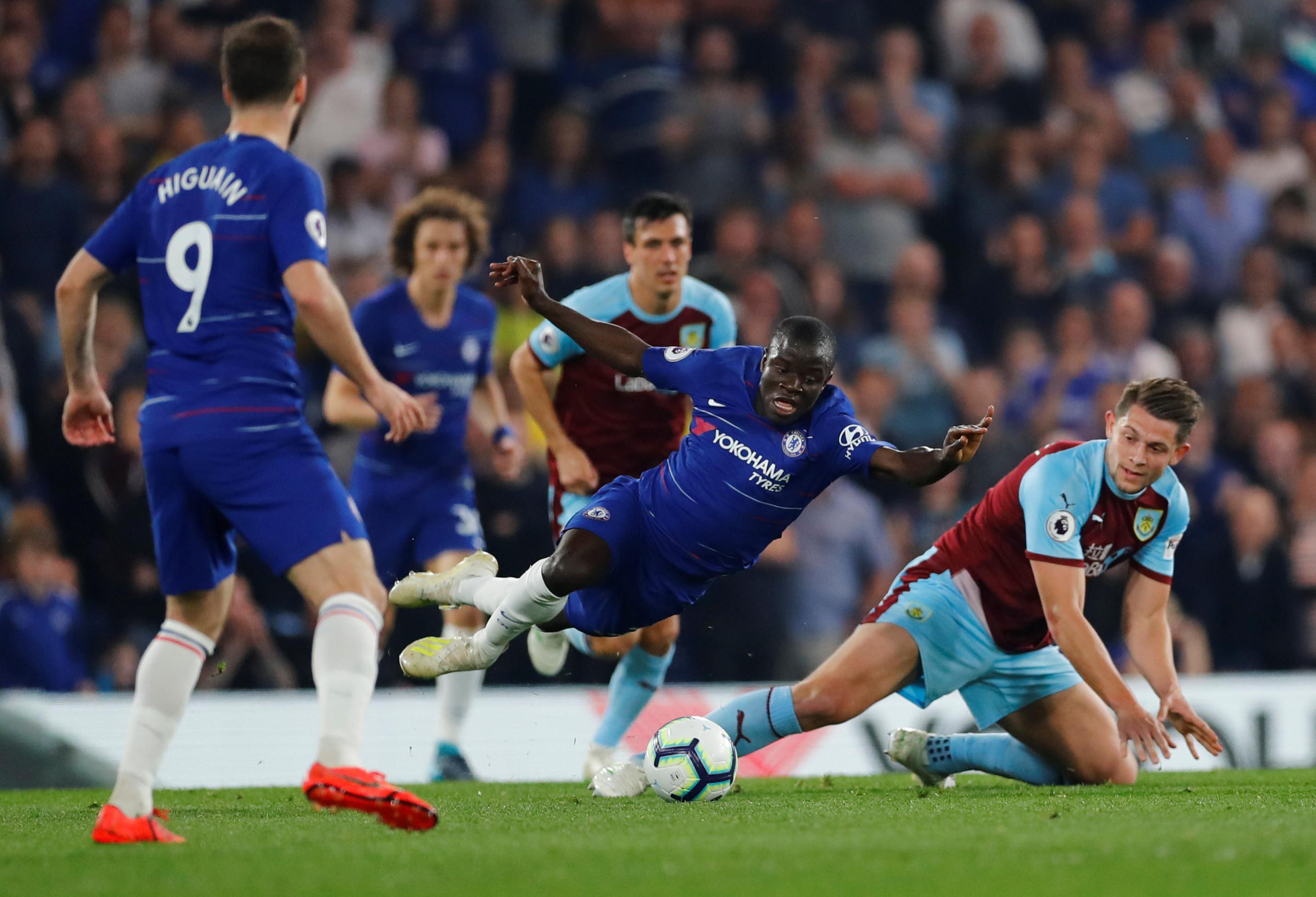16 minutos 'de loucos' ditam novo deslize do Chelsea