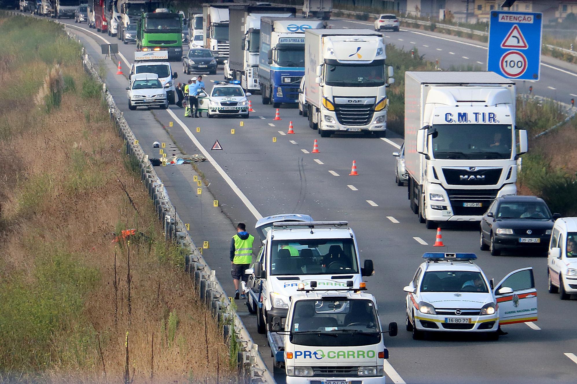 A28 totalmente reaberta ao trânsito, mais de dez horas após despiste