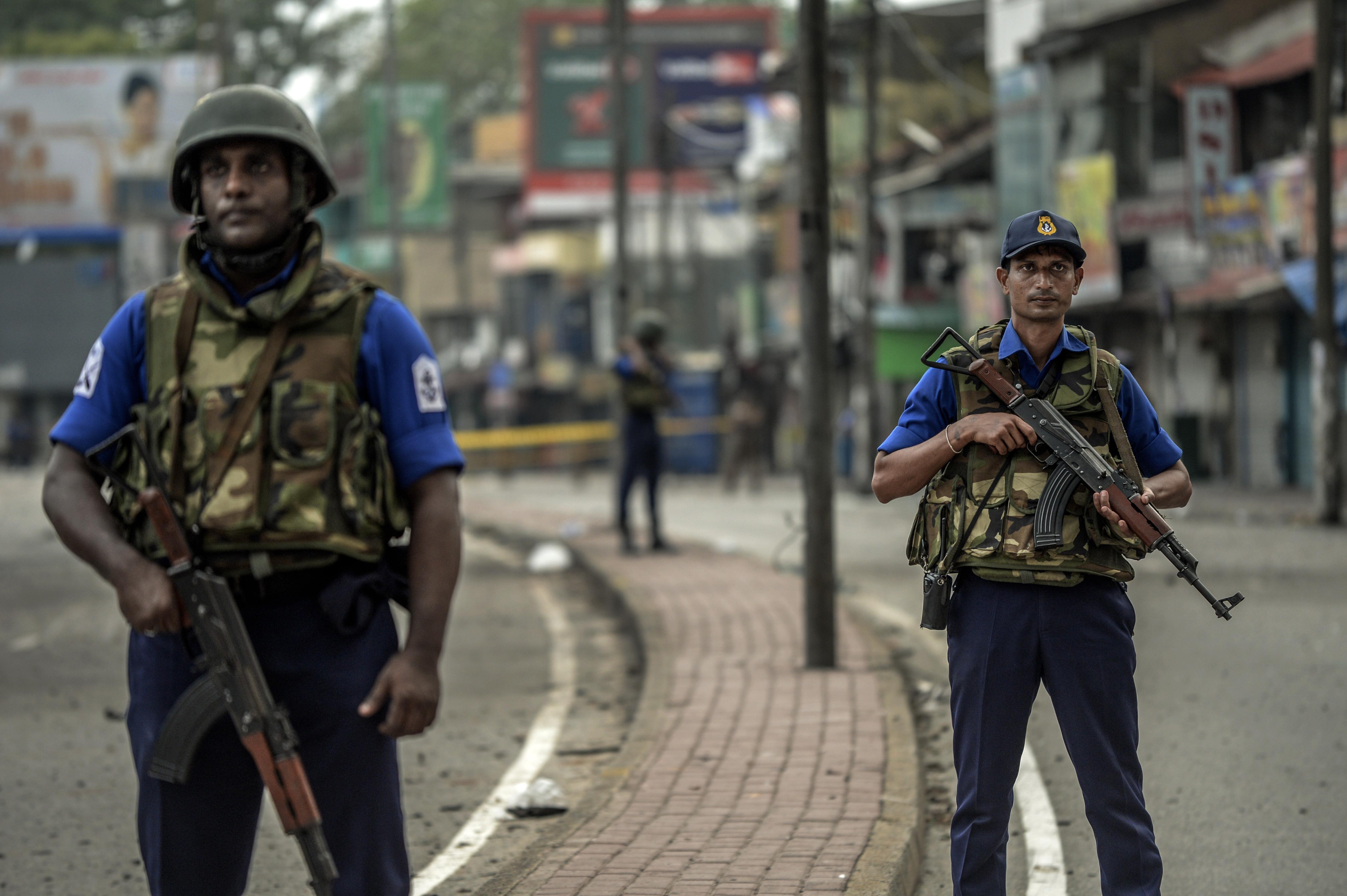 Sri Lanka: Entre bombistas, há um que estudou no Reino Unido e uma mulher