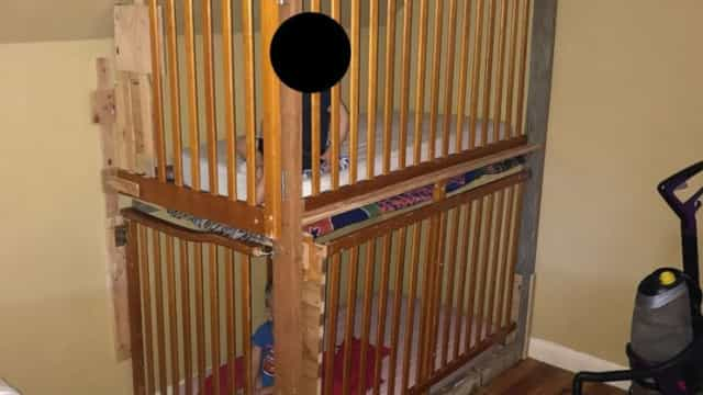 Casal detido por manter filhos presos em jaulas feitas com berços