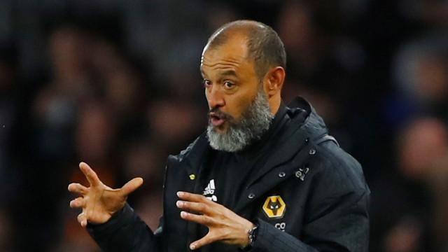 Wolves de NES segue pisadas de Marco Silva e 'humilha' Arsenal