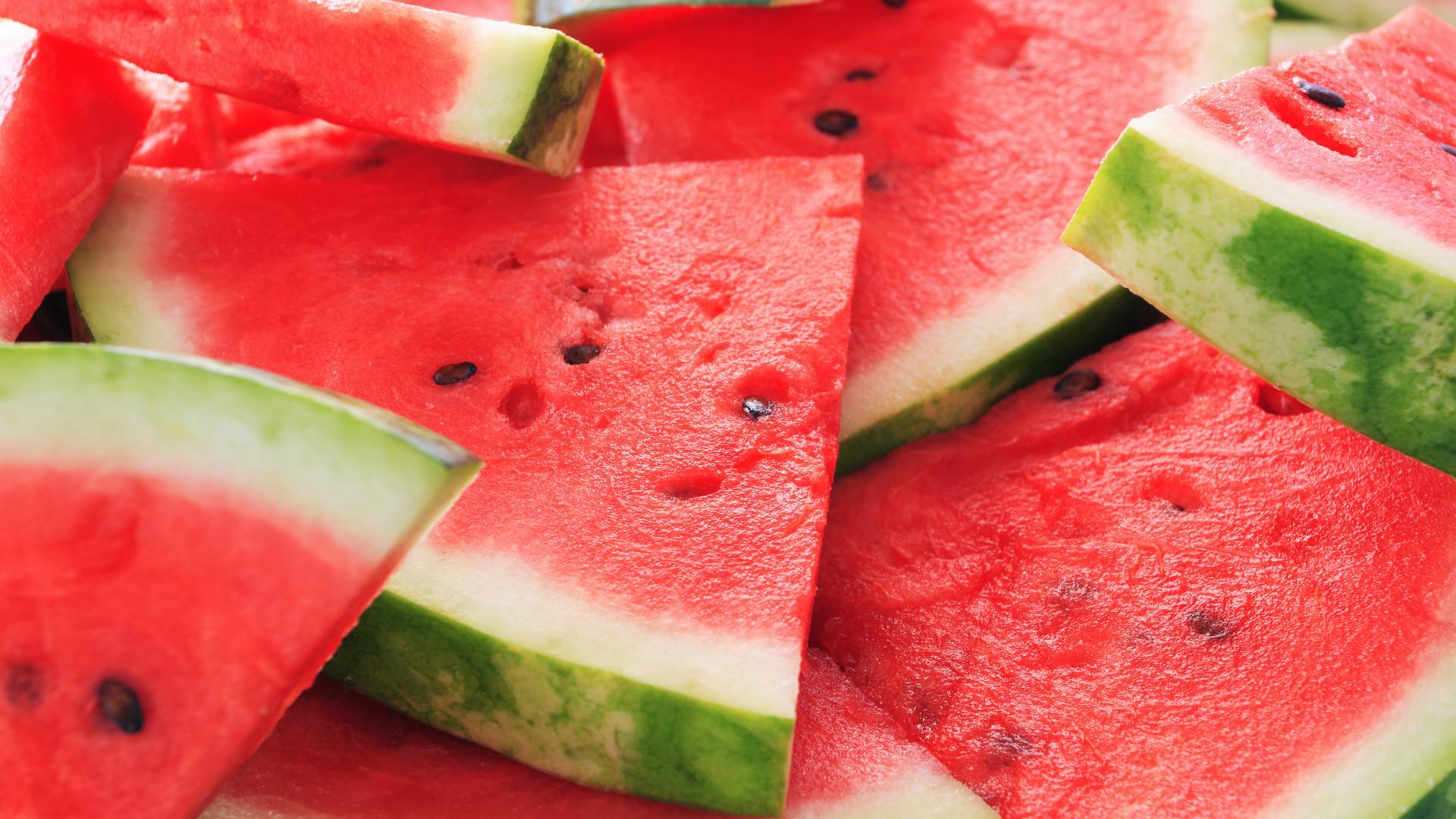 Três frutas que ficam deliciosas se forem grelhadas