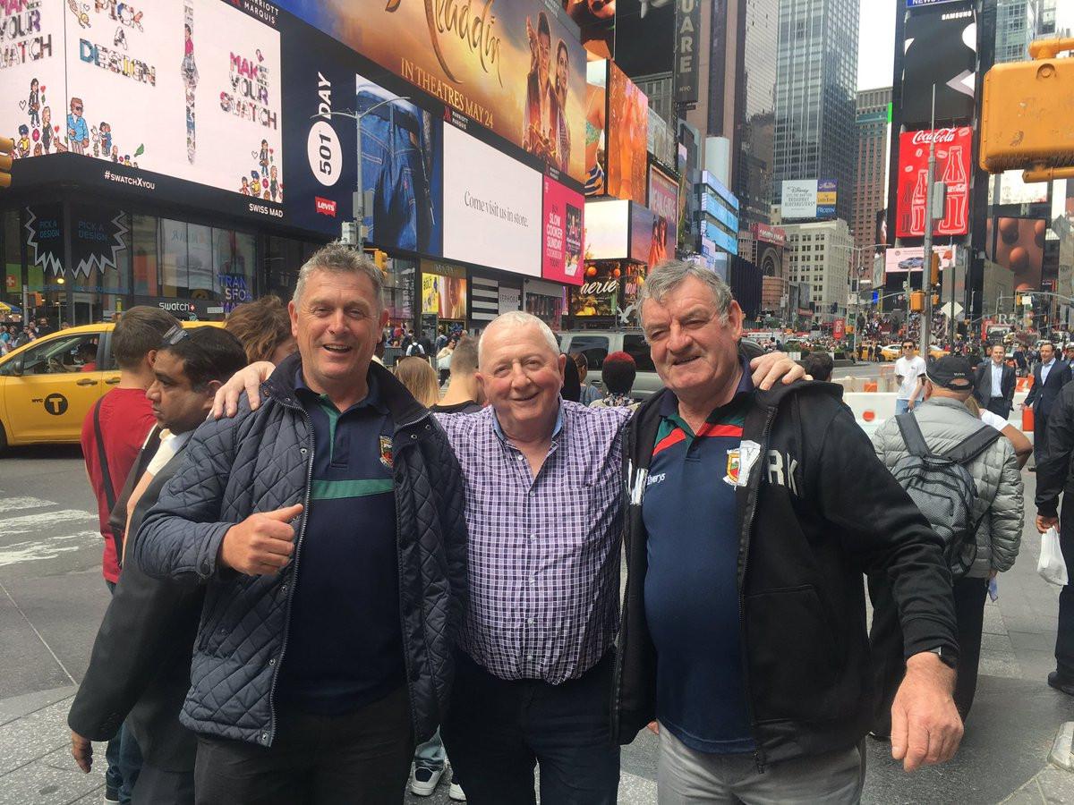 Tirou uma foto a três homens desconhecidos. Internet encontrou-os em 1h