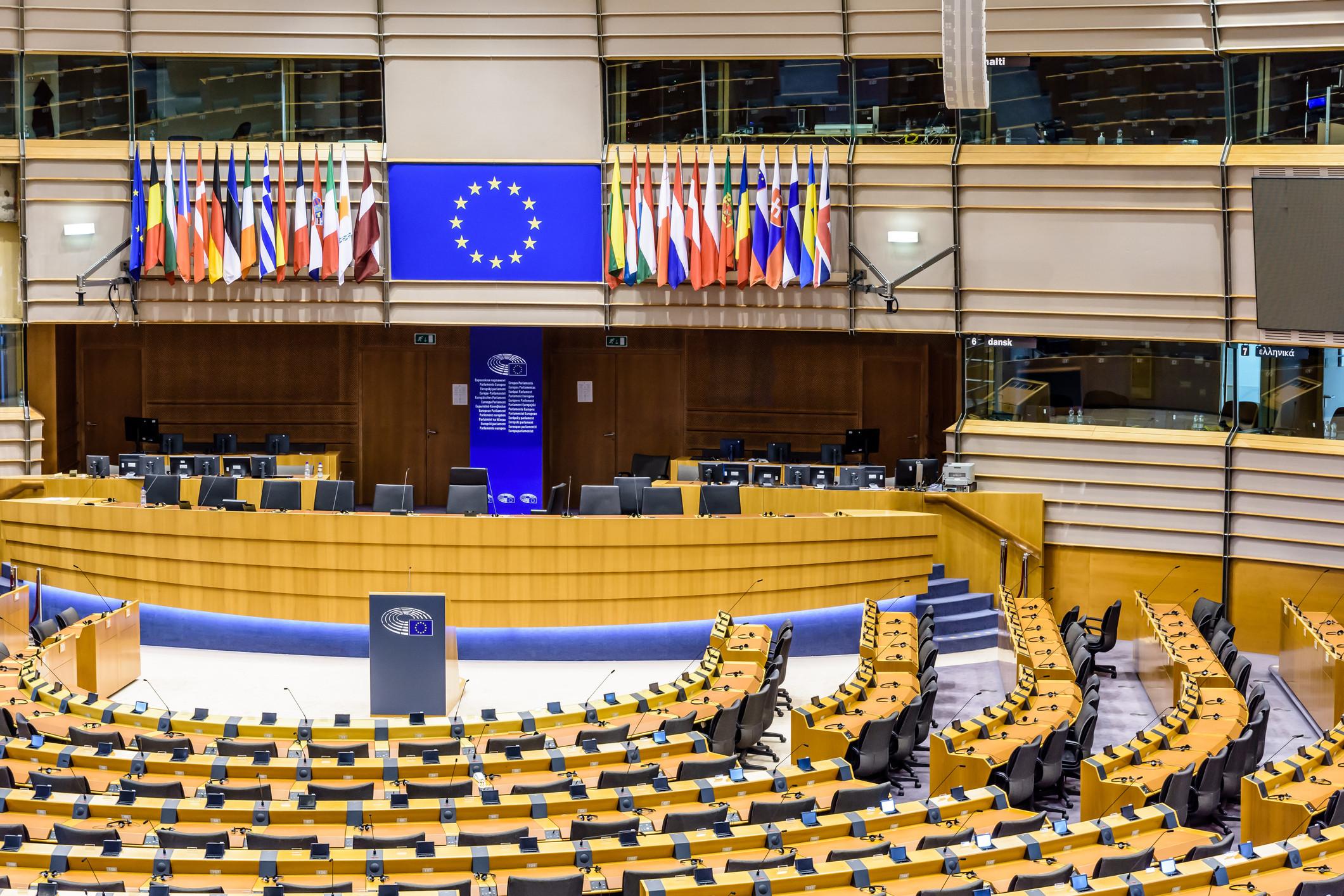 Em dia de debate, candidatos a eurodeputados reforçam-se com ex-líderes