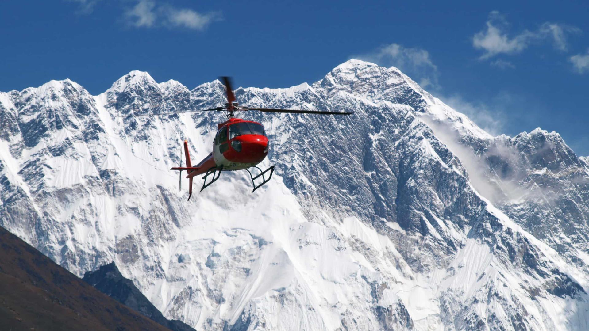 Dois alpinistas morrem no Evereste durante expedição ao Nepaç
