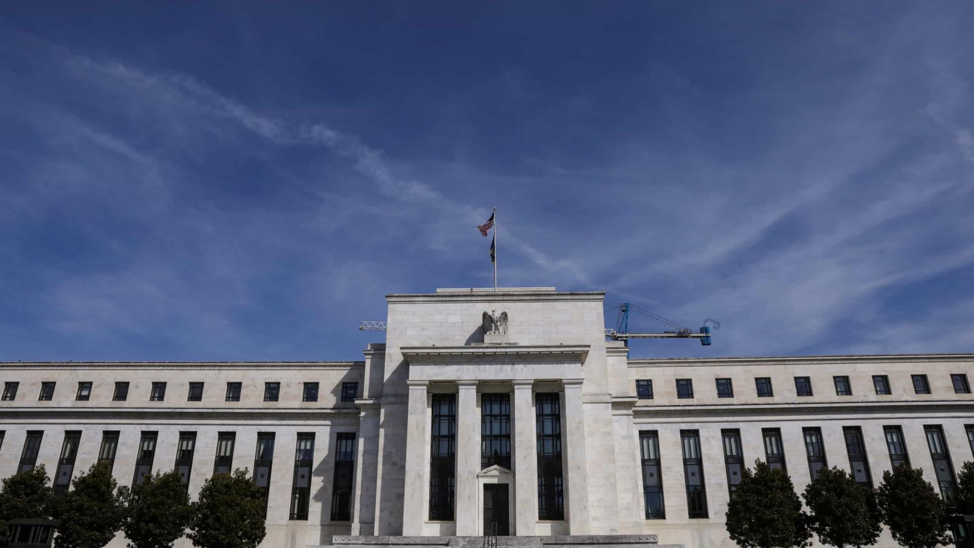 Reserva Federal mantém taxas de juro mas prevê primeira subida em 2023