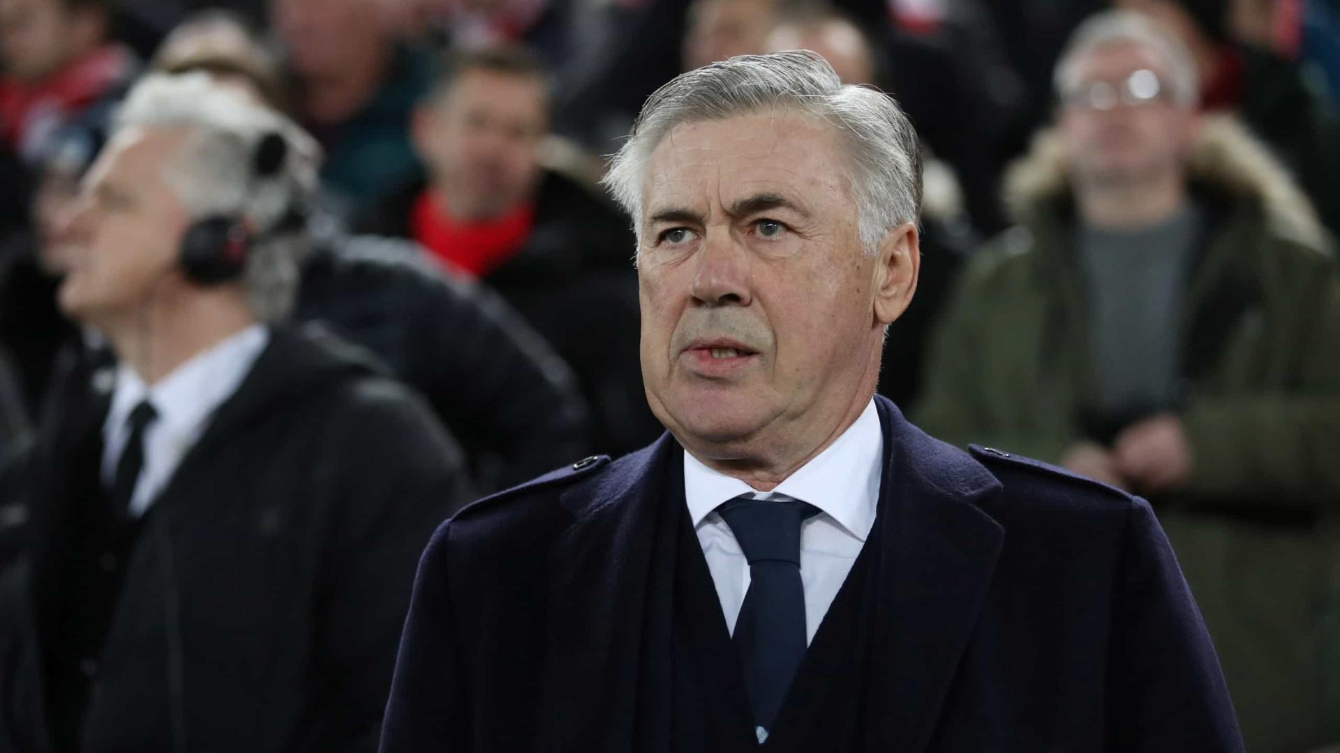 Oficial: Carlo Ancelotti já não é o treinador do Nápoles