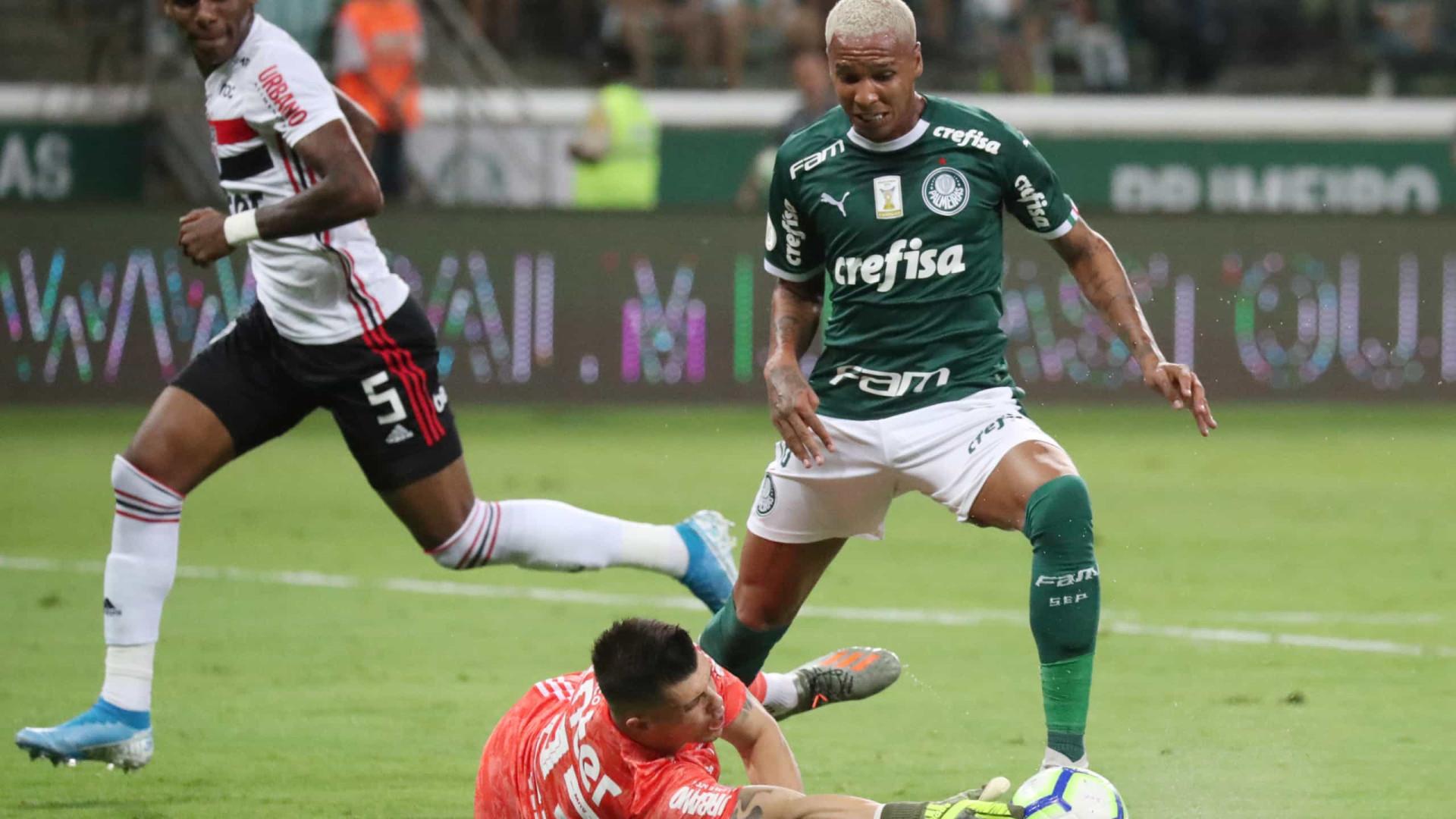 'Bola de Lata': Ex-Benfica entre os piores avançados Brasileirão