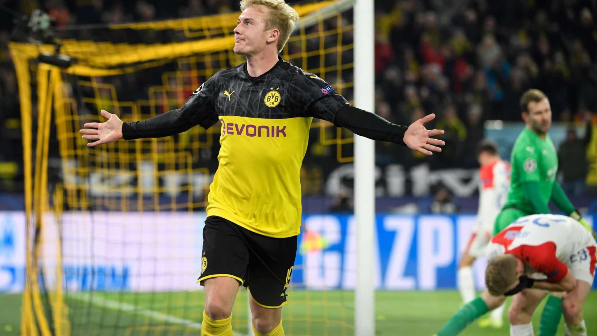 Dortmund marca lugar no 'comboio' da Champions ao lado do Barcelona
