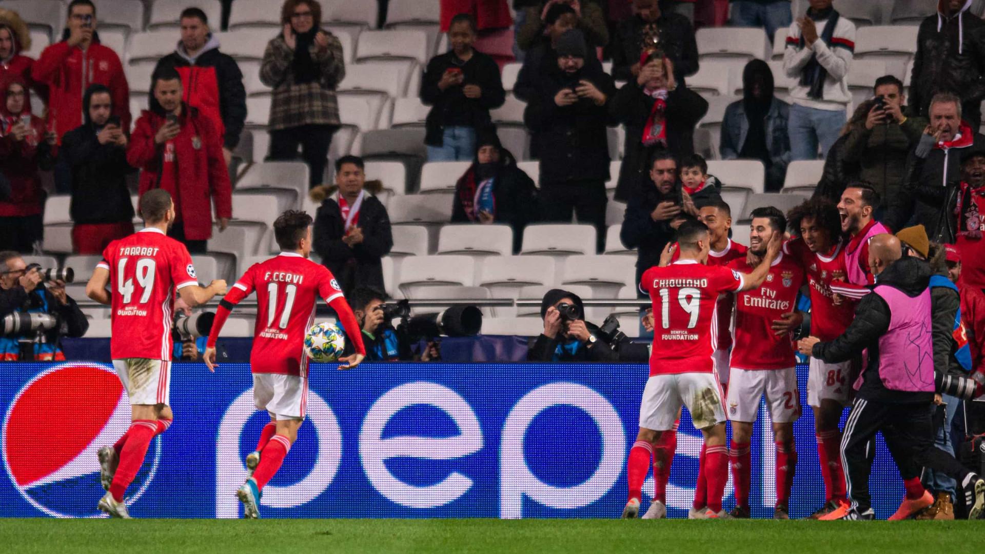 Benfica 'abate' Zenit e agarra lugar na Liga Europa