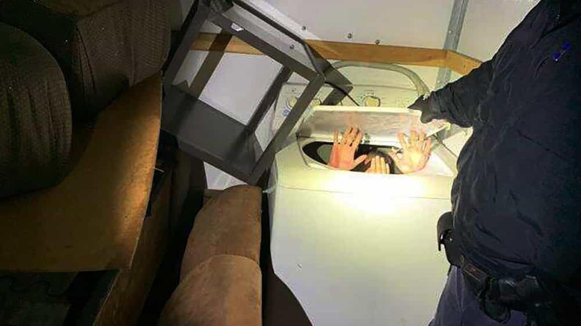 Migrantes encontrados dentro de eletrodomésticos na fronteira dos EUA