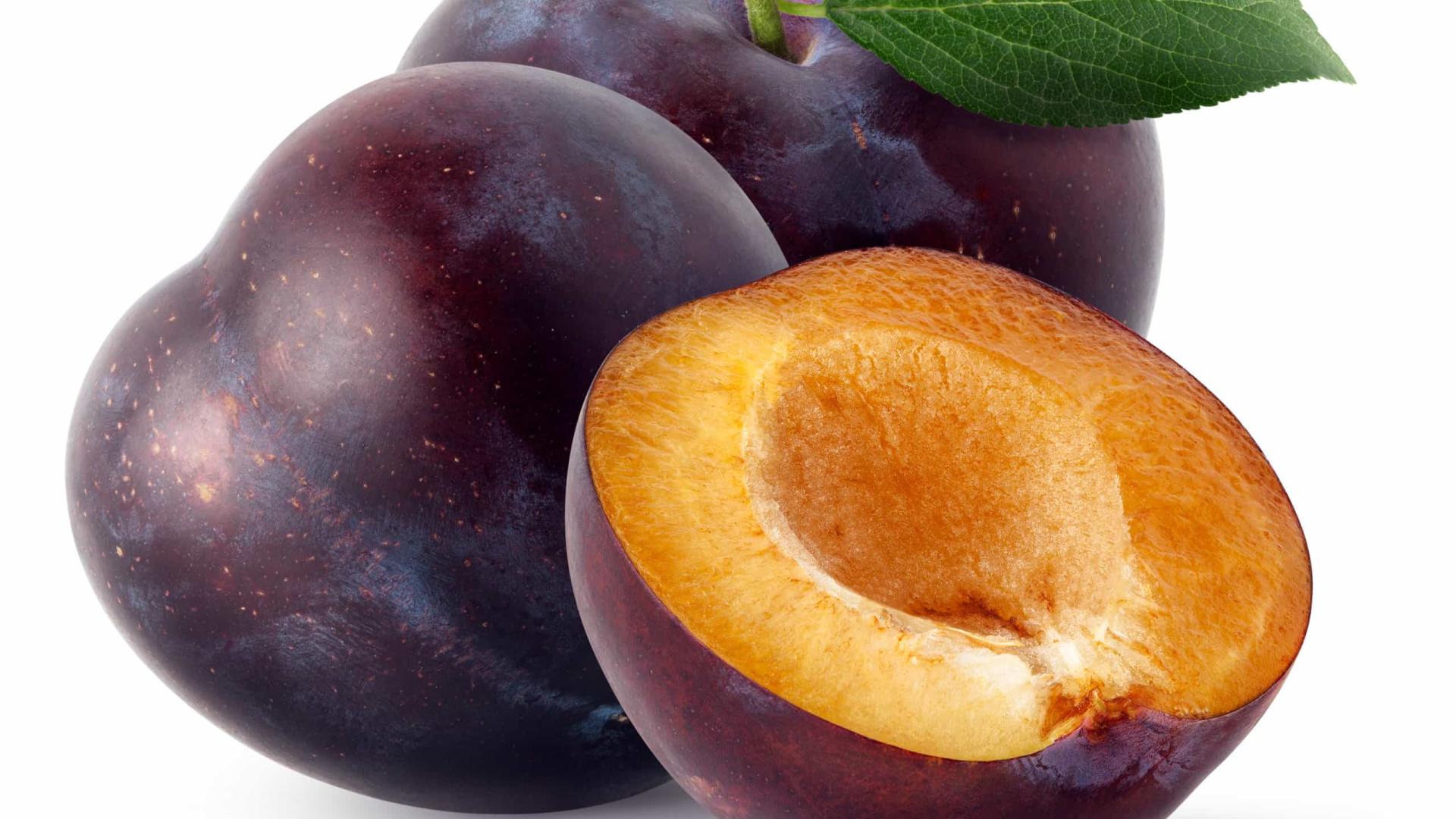 Baixa em calorias, rica em nutrientes. Benefícios da ameixa para a saúde