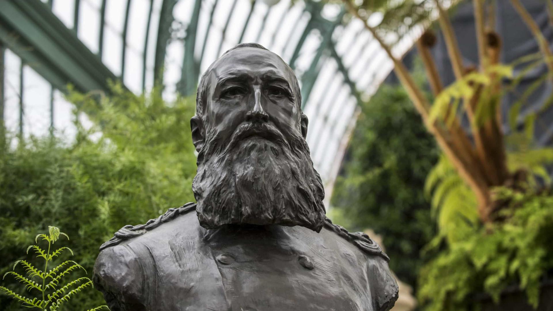 Busto do rei belga Leopoldo II vandalizado em protesto contra o racismo