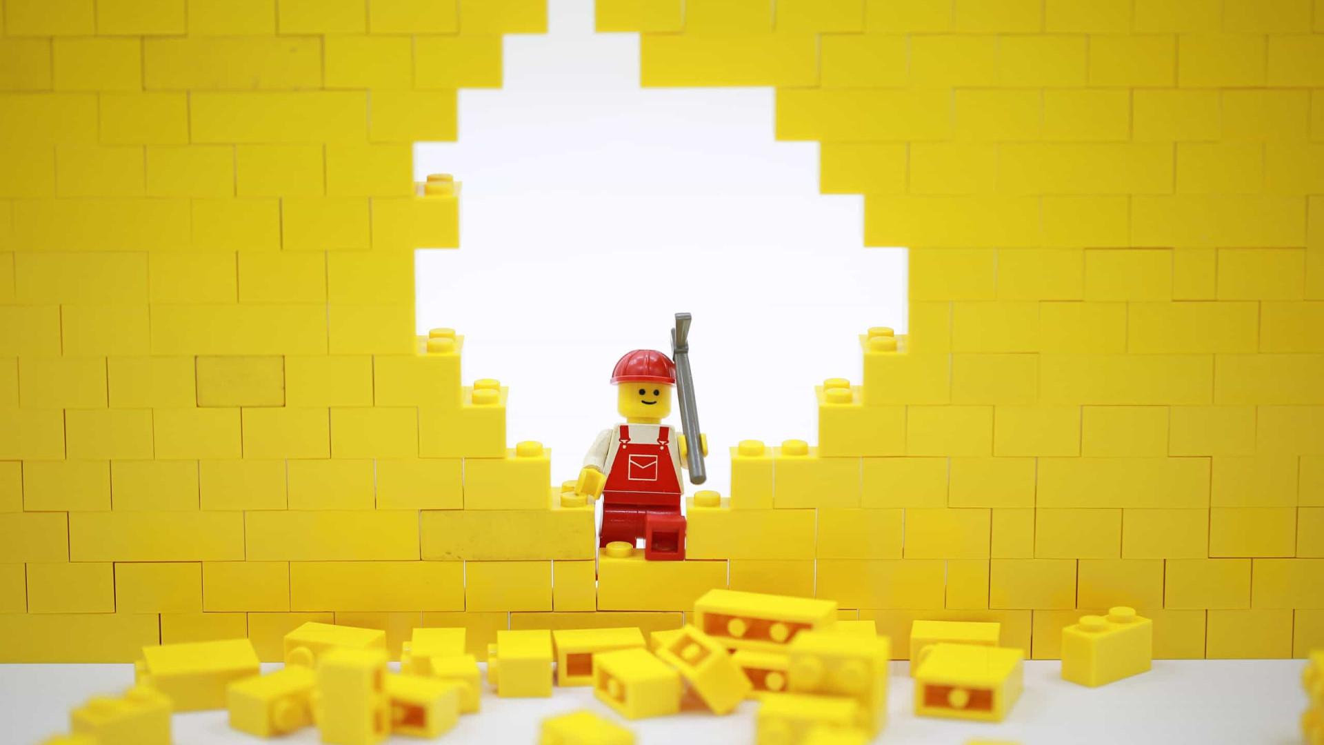 Lego é a mais recente empresa a boicotar o Facebook