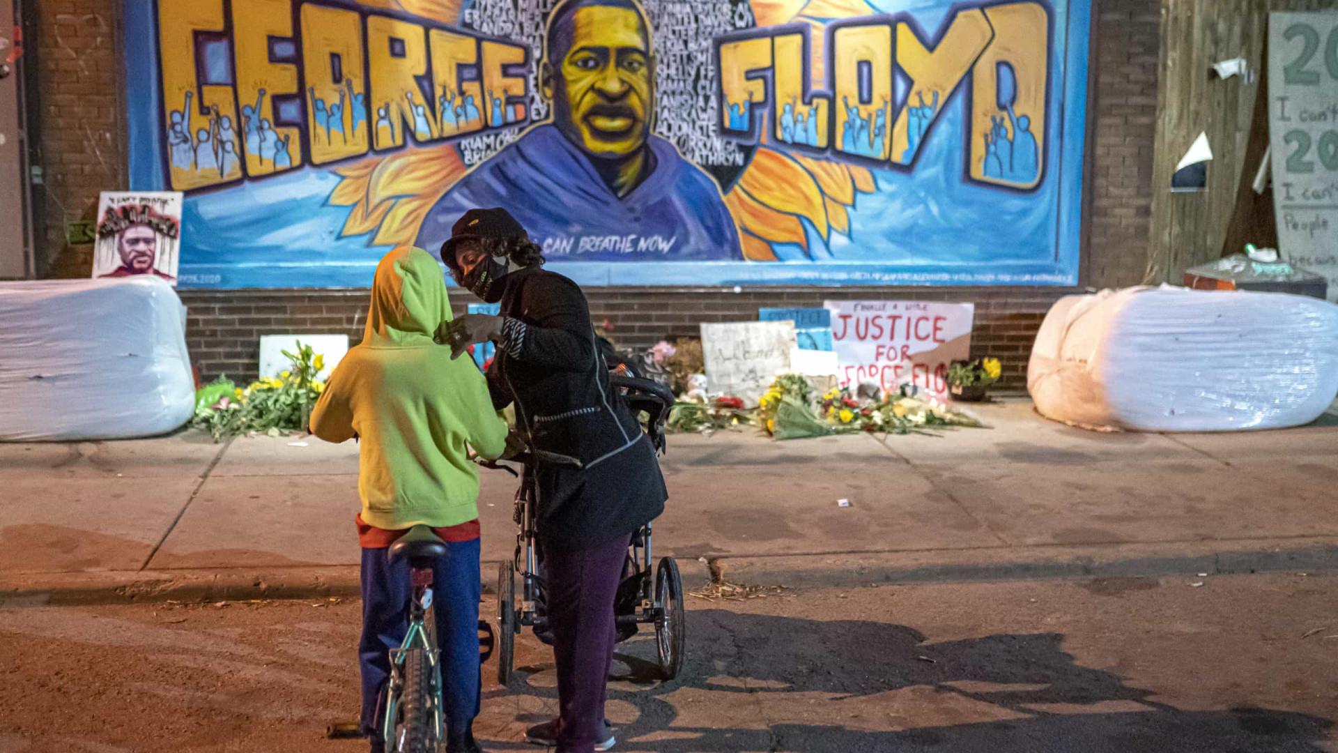 Floyd. Ex-chefe de polícia defende mudança de noção de segurança pública