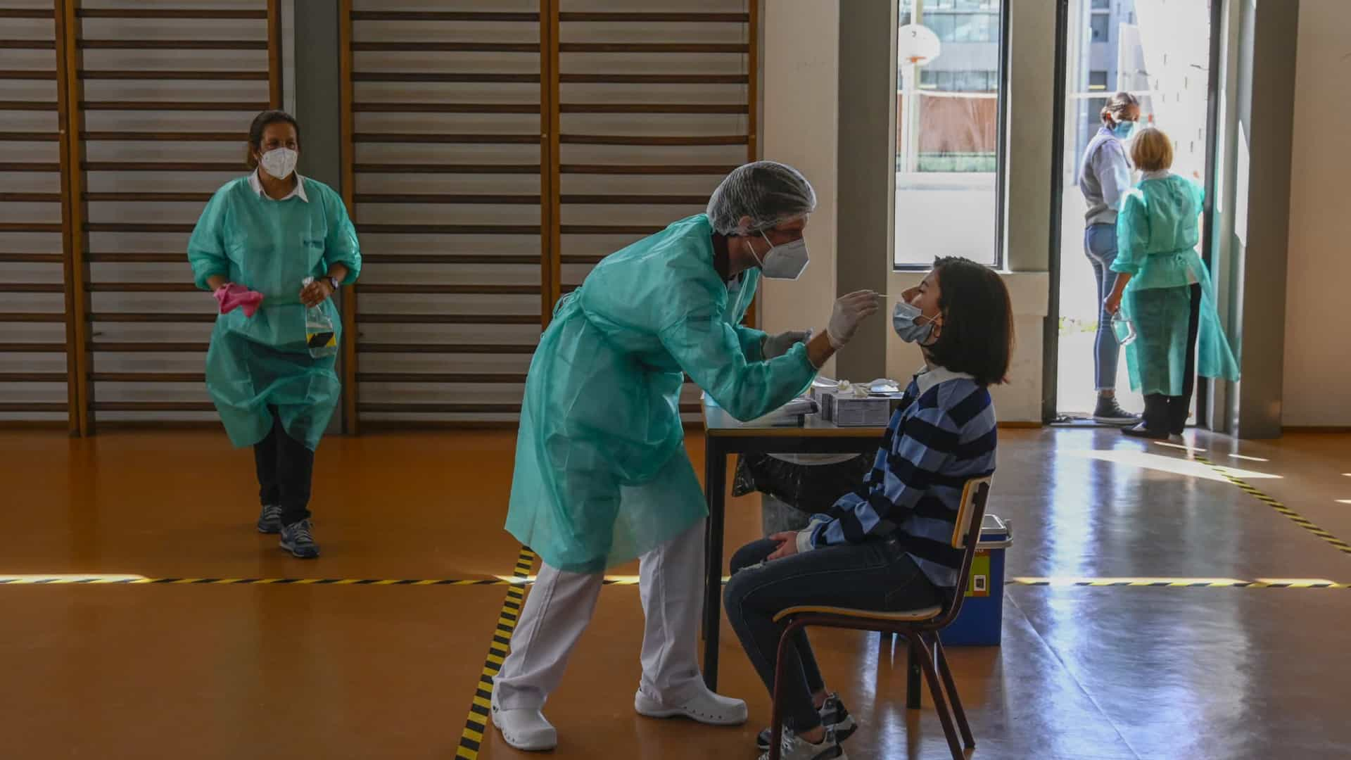 Madeira vai voltar a testar toda a comunidade escolar em novembro