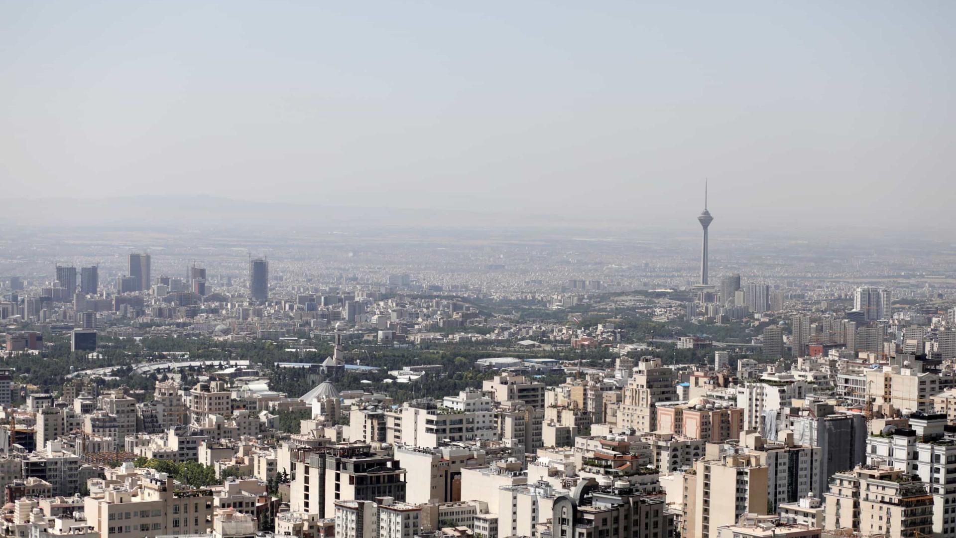 Perdão ou redução de penas no final do Ramadão para 2.200 detidos no Irão