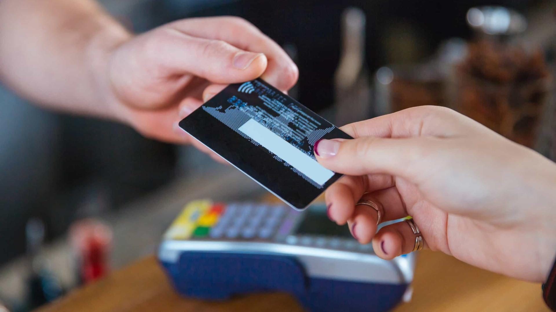 Contribuintes podem validar faturas para IVAucher até sexta-feira