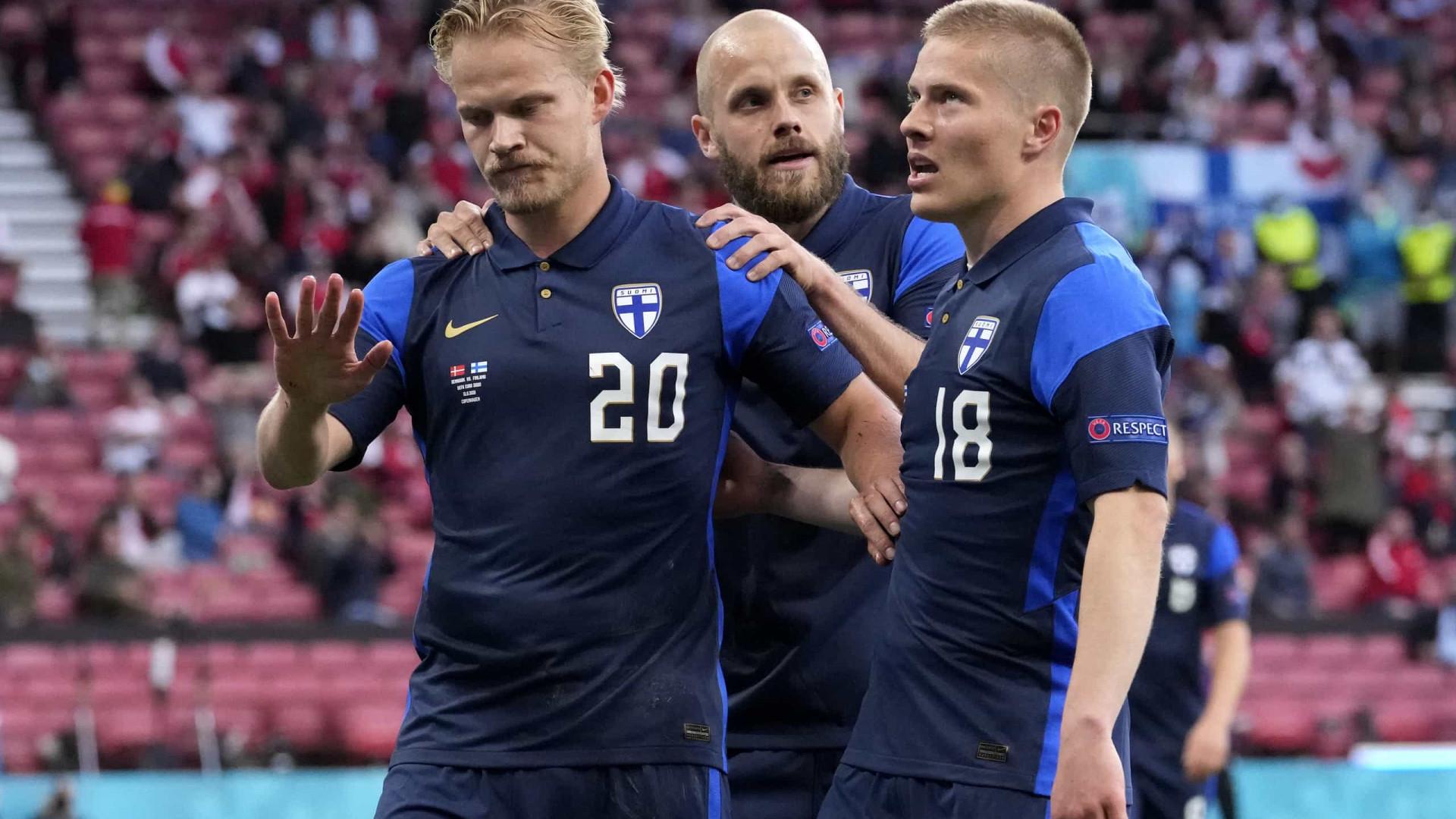 Finlândia venceu Dinamarca, mas Eriksen ganhou no jogo da vida