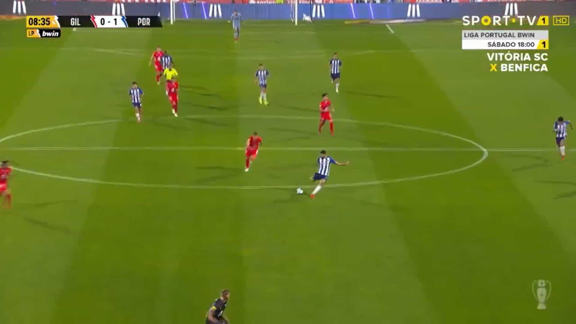 O golaço do meio-campo de Taremi que abriu o Gil Vicente-FC Porto